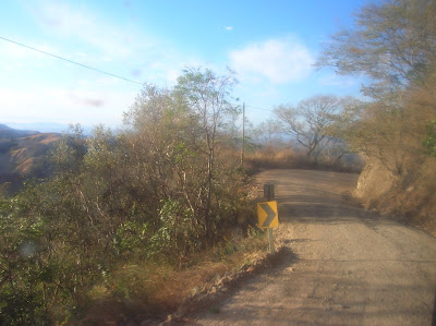Carretera de Monteverde a Puntarenas, Costa Rica, vuelta al mundo, round the world, La vuelta al mundo de Asun y Ricardo, mundoporlibre.com