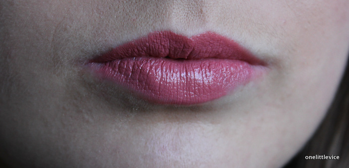 one little vice beauty blog: everyday pink mac lipstick swatch