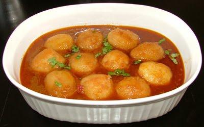 It's Indian Everyday: Dum Aloo (Whole Potato Curry)
