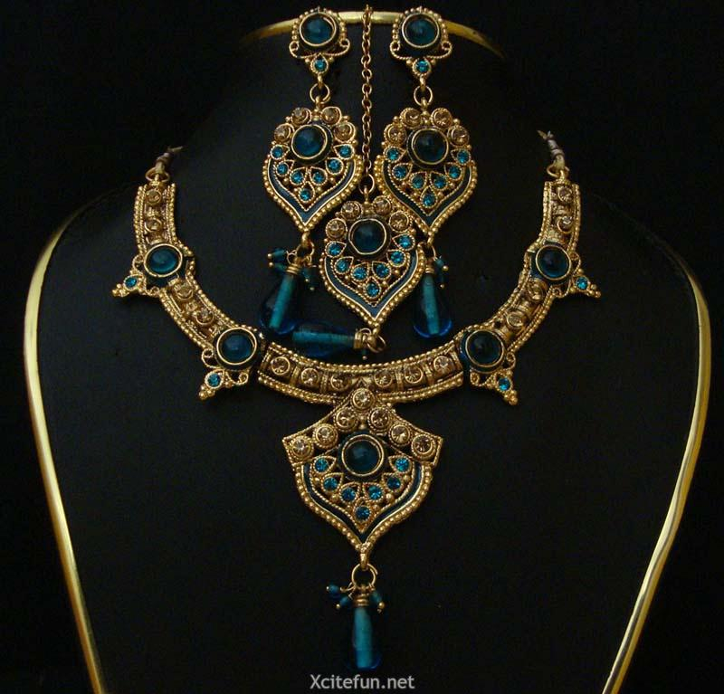 Indian Jewellery And Clothing Polki Necklace Sets From: Celebrities And Fashion: Beautiful Polki Necklace Set With