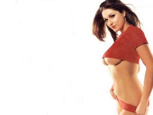 Foto gambar lengkap model cantik seksi tanpa bra / bh pamer susu.