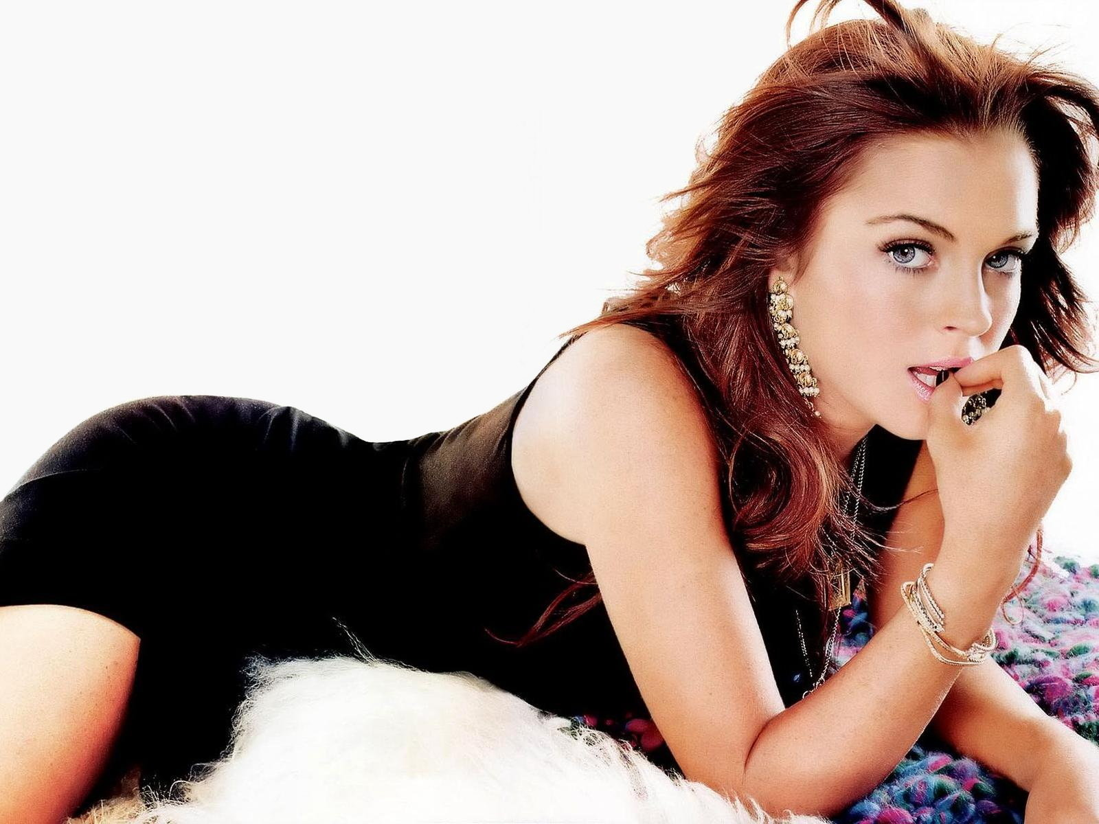 Iphone Celebrity Wallpapers  Lindsay Lohan iPhone wallpapers