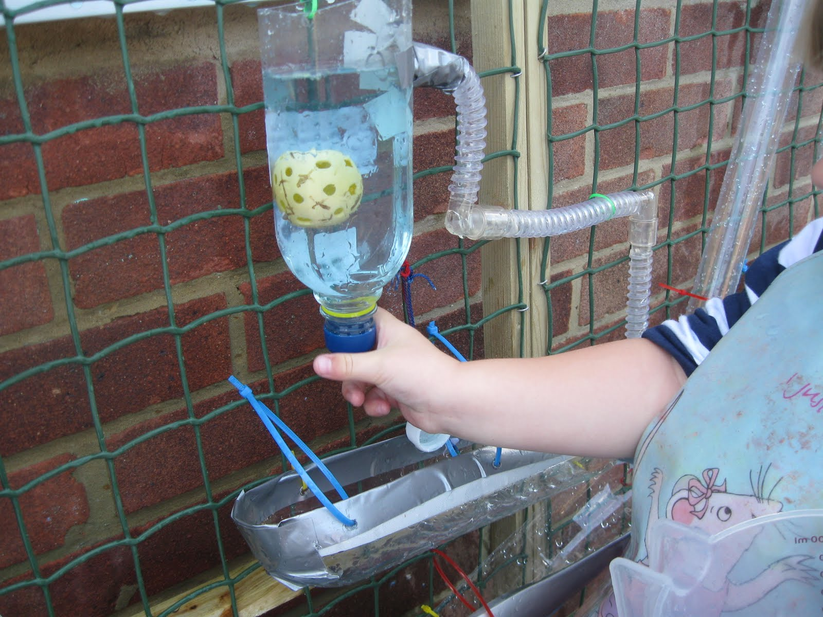 how to make a water wall eyfs