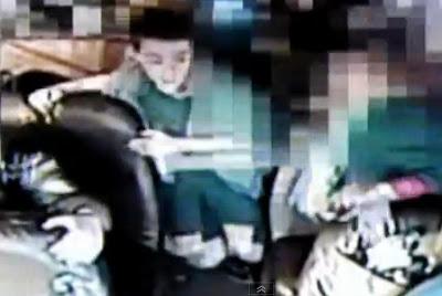 conductor se infarta y nino maneja el bus escolar