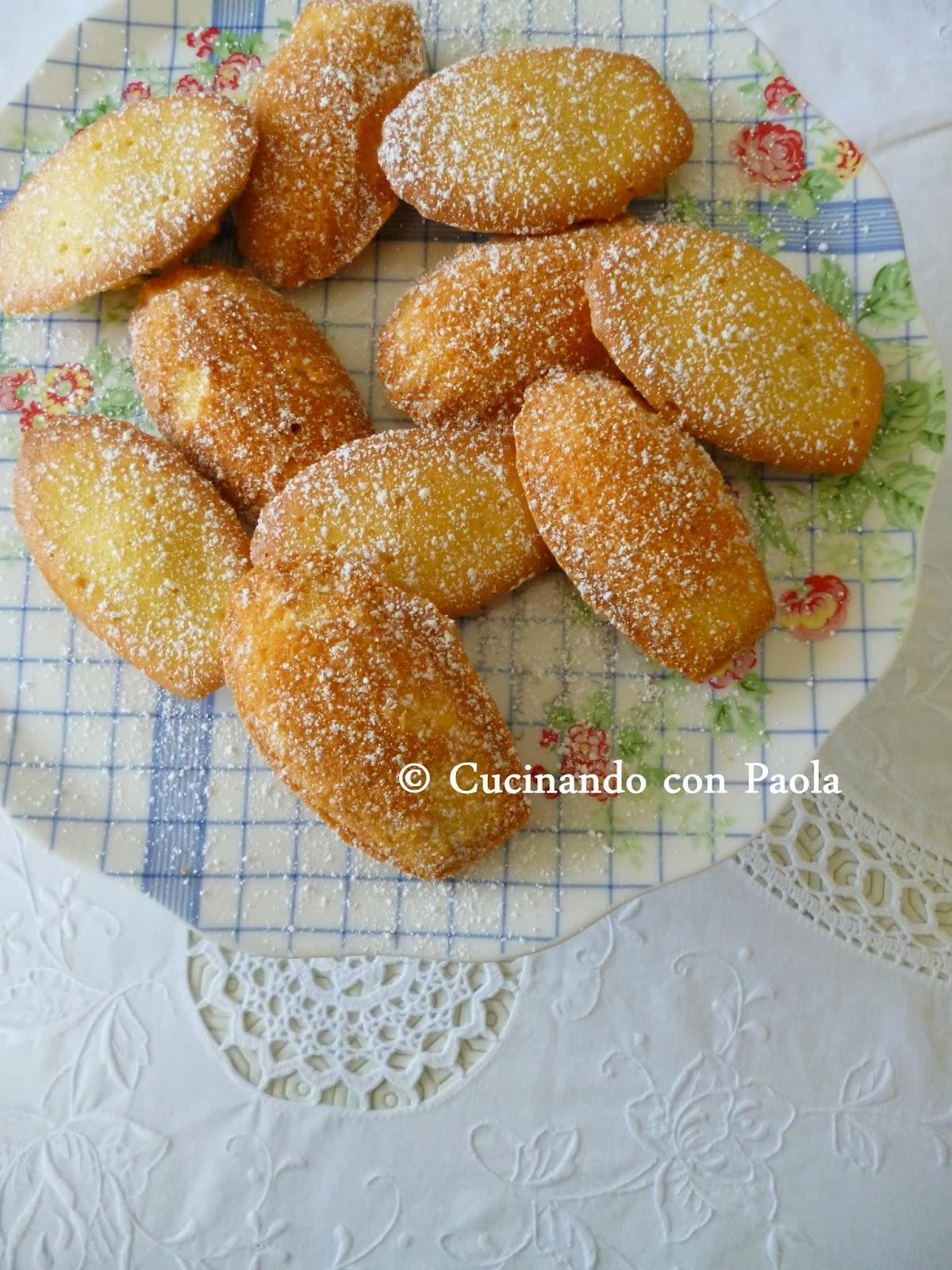 petites madeleines alla vaniglia