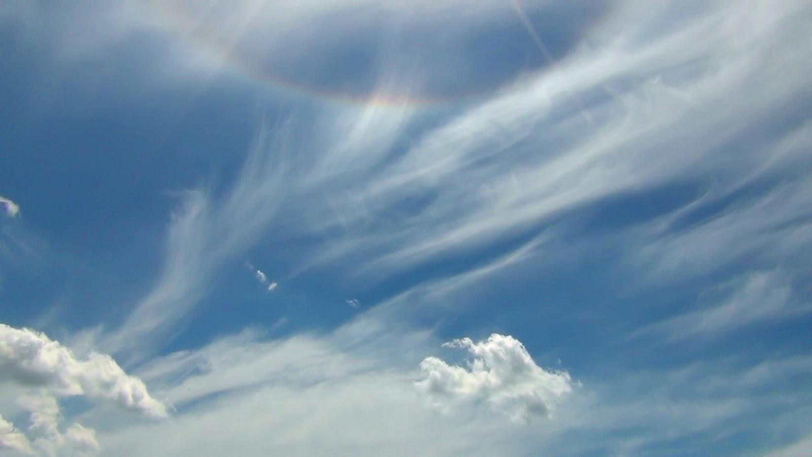 2.bp.blogspot.com/-eVO6XWo8QHY/UW_Lx8hjE1I/AAAAAAAAAm4/LkFs0XRO9cc/s1600/Halo+s%C5%82oneczne+sun+halo+TheUkaszPL.jpg