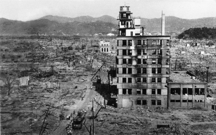 a history of decision of united states for dropping of atomic bomb on hiroshima and nagasaki in japa Document-based question the atomic bombing of hiroshima & nagasaki: a military the pacific war would receive full attention from the united states war department as late a second bomb, fat man, was dropped on nagasaki over 20,000 people died instantly in the successive weeks.
