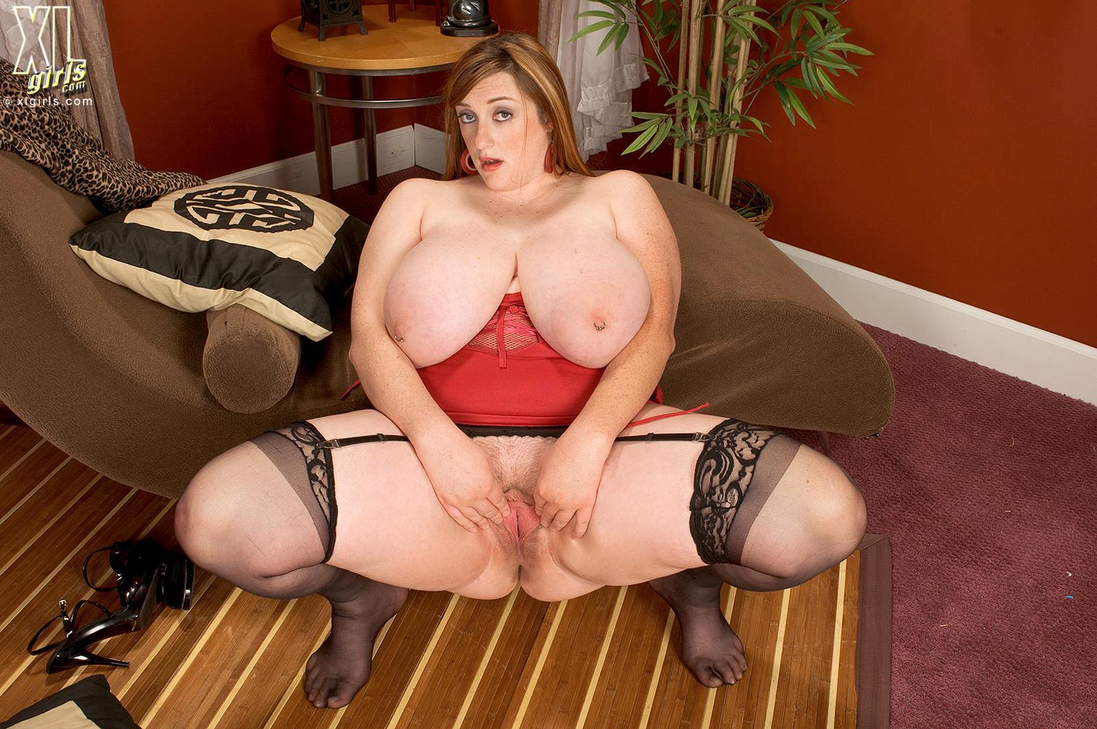 Порнуха с пышногрудыми и толстожопыми девушками 2 фотография