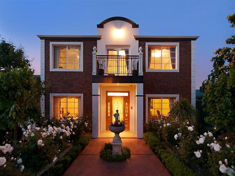 Fotos de fachadas de casas bonitas vote por sus fachadas for Fachadas de casas pequenas dos plantas