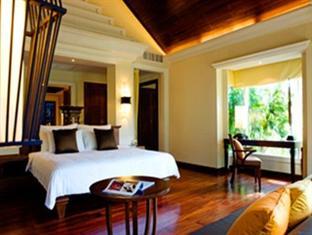 Le Meridien Khao Lak, Villa bedroom