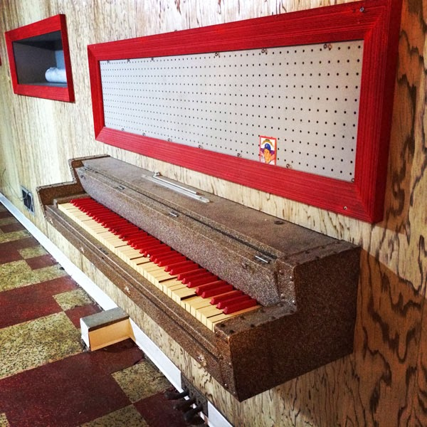 piano-used-as-decoration