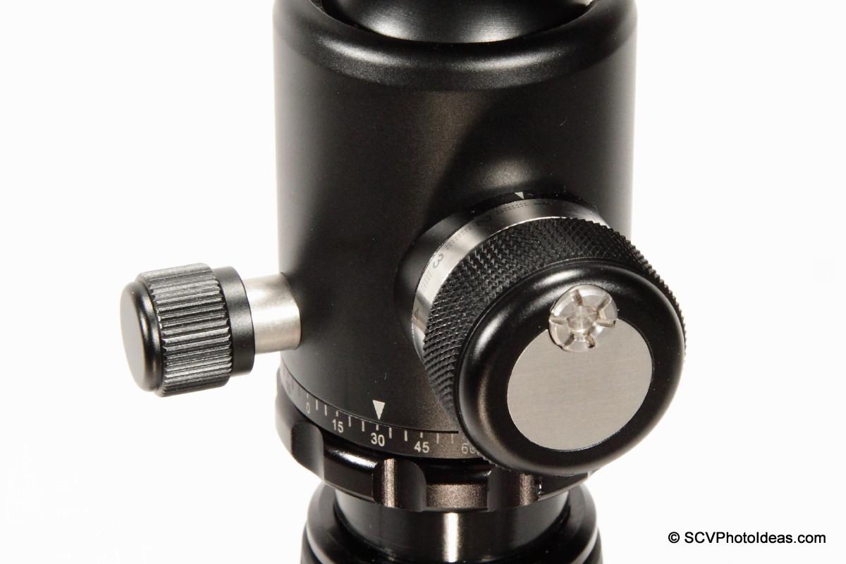Sunwayfoto DB-36TRLR Main lock knob detail