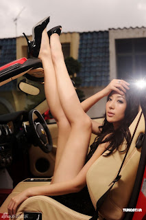 Supermodel Sonia Sui Taiwan girl naked ad sexy photo 2