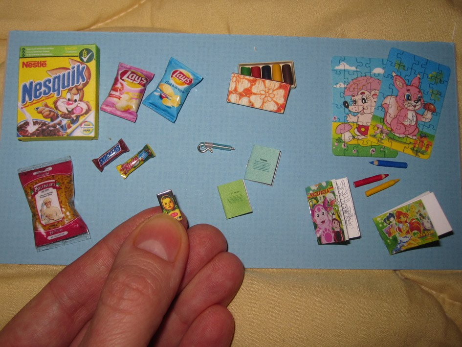 Как сделать принадлежности для кукол своими руками из бумаги 85