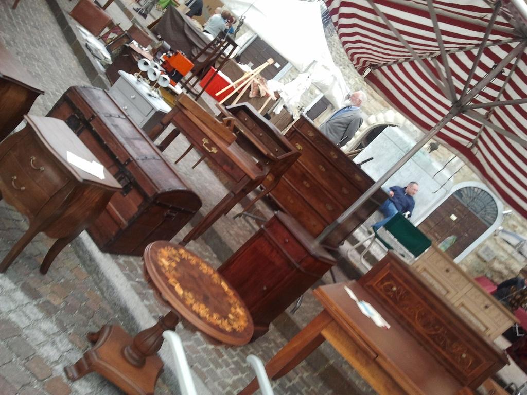 Cmbmobili e mercatino dell 39 antico imbersago lecco - Mercatino imbersago ...