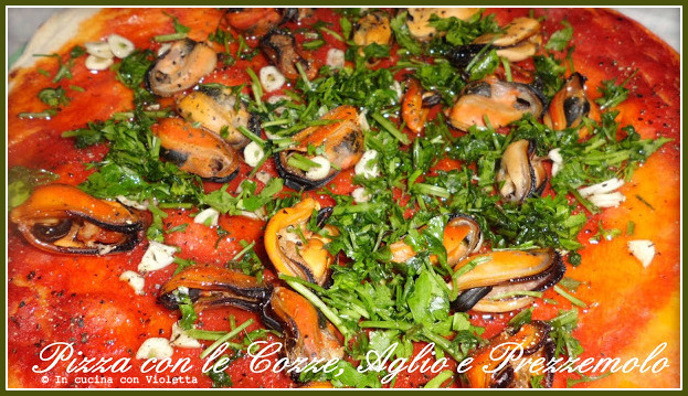 in cucina con violetta pizza con le cozze, aglio e prezzemolo, Disegni interni
