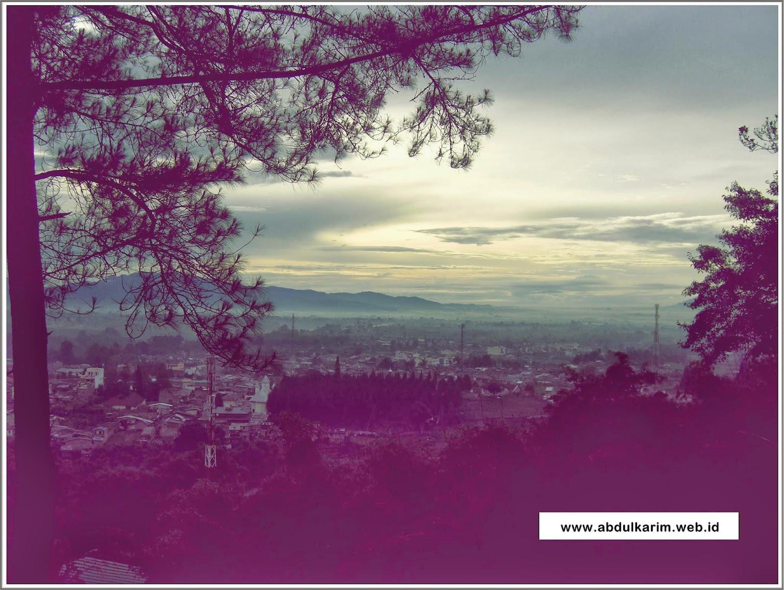 Senja Bukit Gundaling