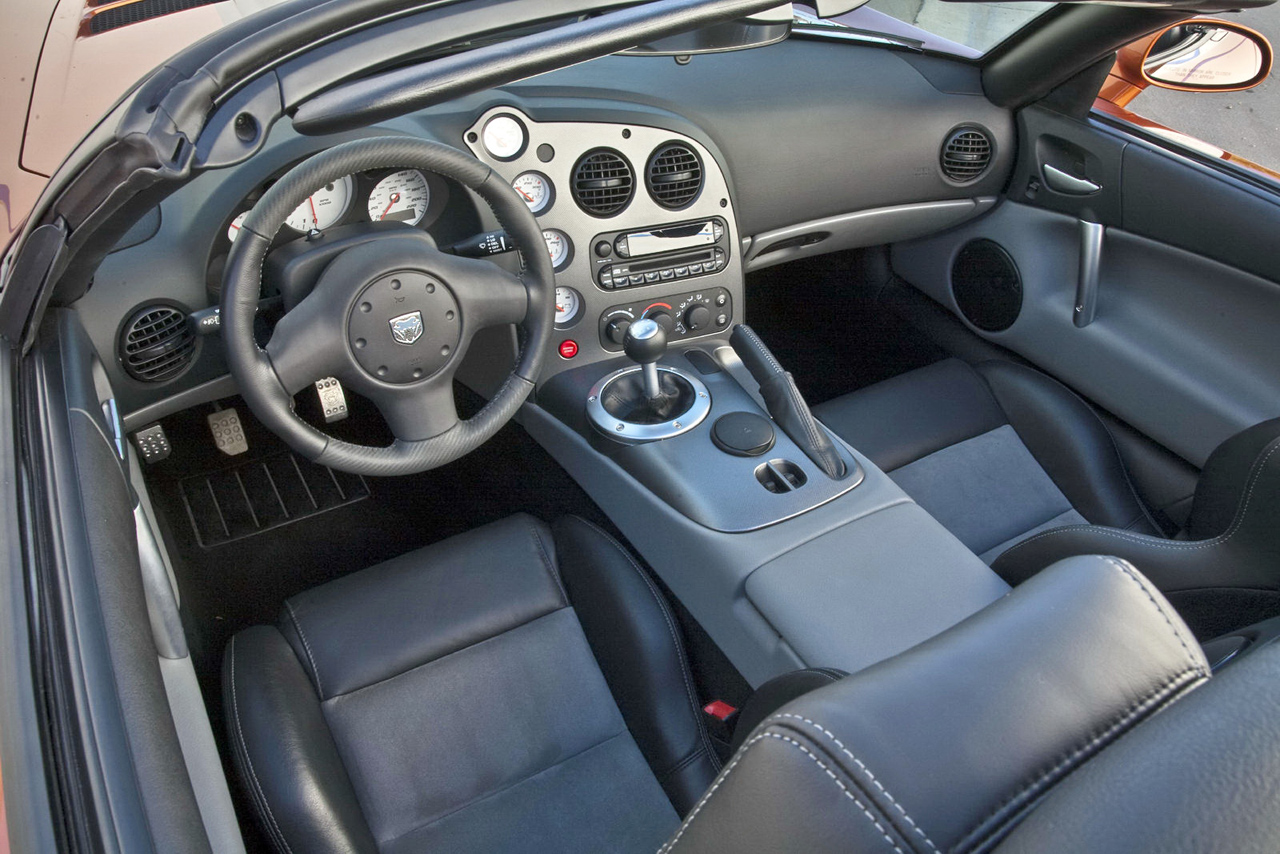 2013 Dodge SRT Viper Interior