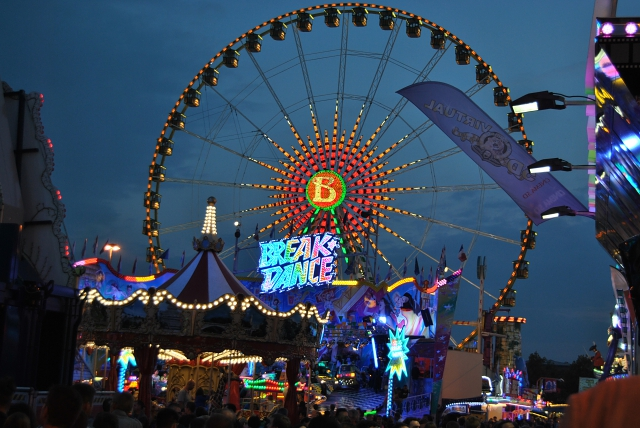 Schueberfouer by night