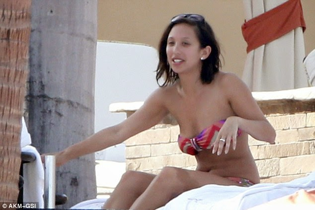Dancing With the Stars' Cheryl Burke bikini body in Cabo photo 1