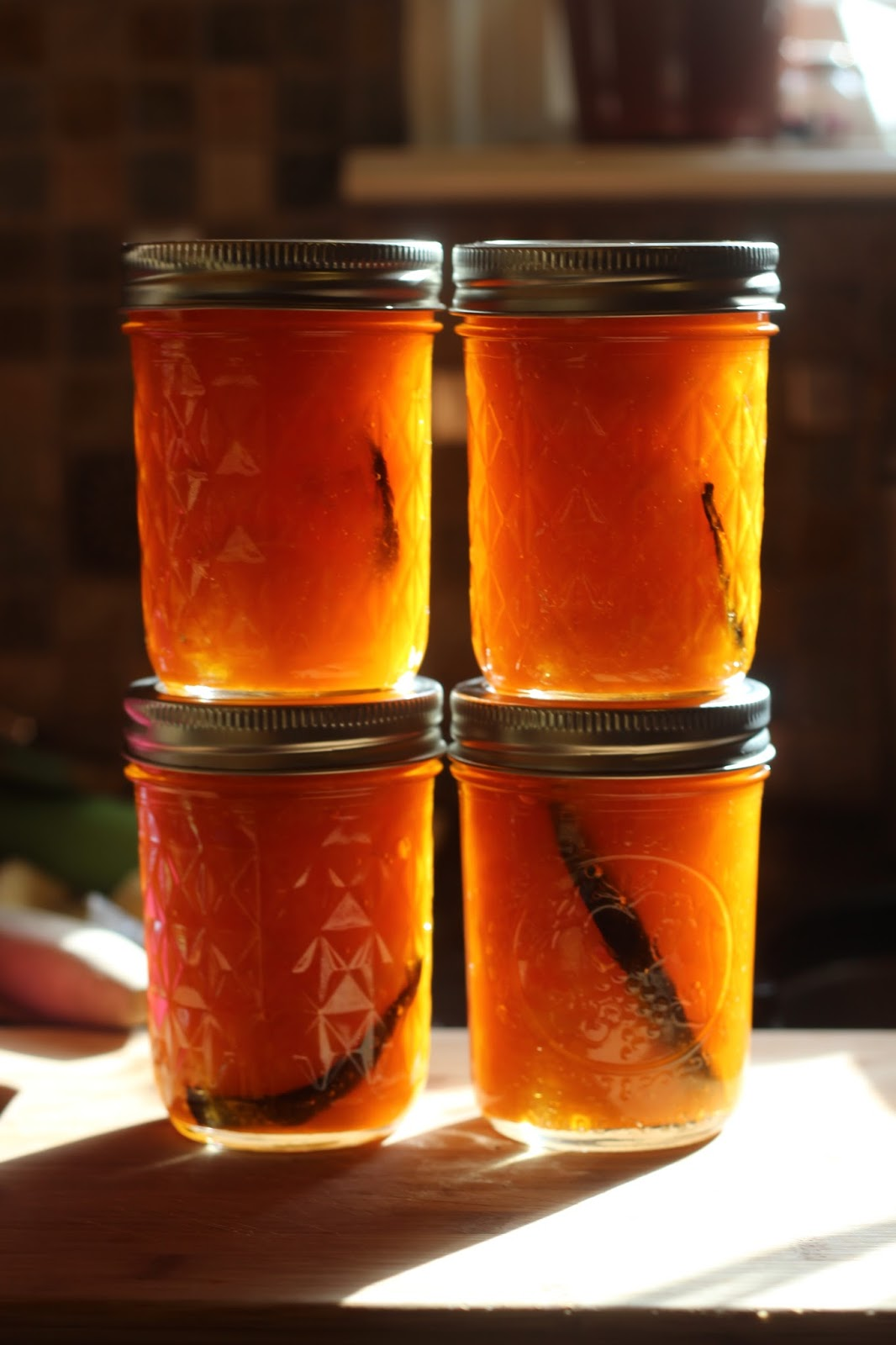 Food and Hearth: Apricot Vanilla Bean Jam