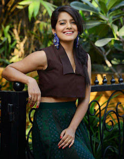 Vishakha Singh Stills at Tamanna and Shruti SS Collection Launch 5.jpg