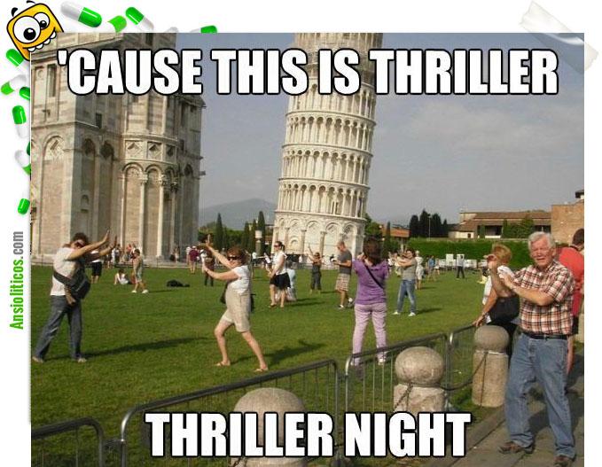 Chiste de Torre de Pisa: Turistas haciendo fotos
