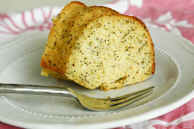 Casual Cuisine: lemon poppy seed cake
