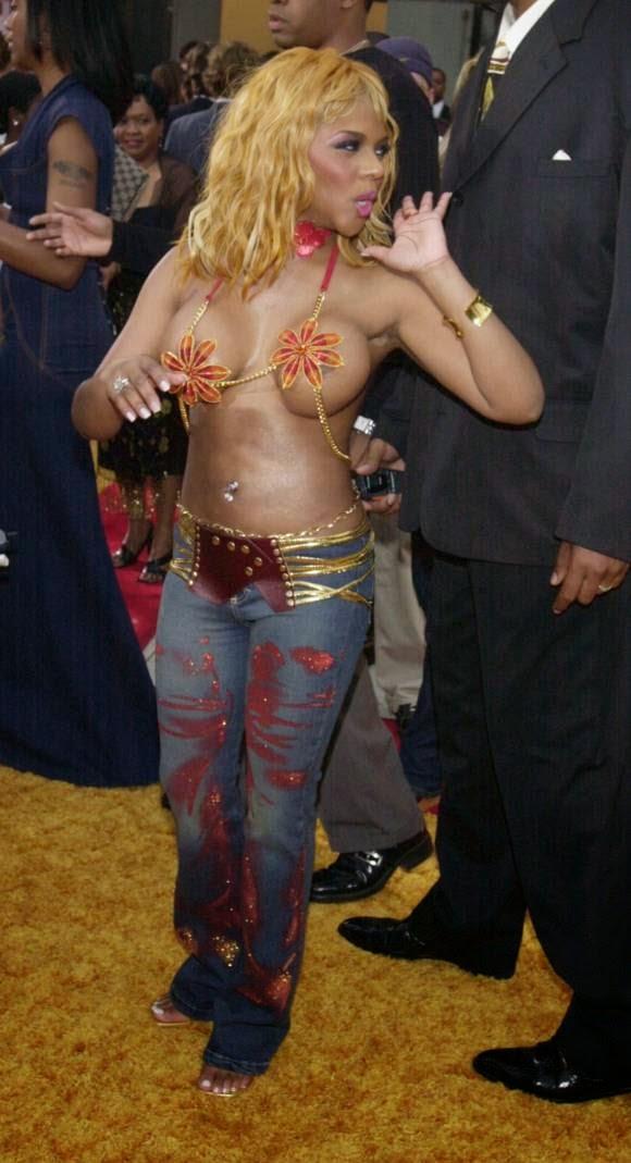 Lil Kim big brown titties