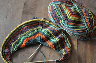 Cowl strikket i strømpegarnet Palermo