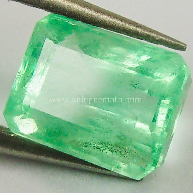 Batu Permata Emerald Zamrud Columbia