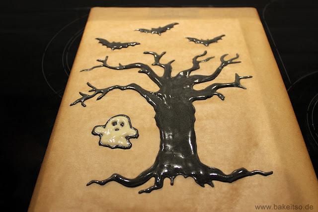 Halloween Biskuitrolle - Decorated Cake Roll - Auffüllen