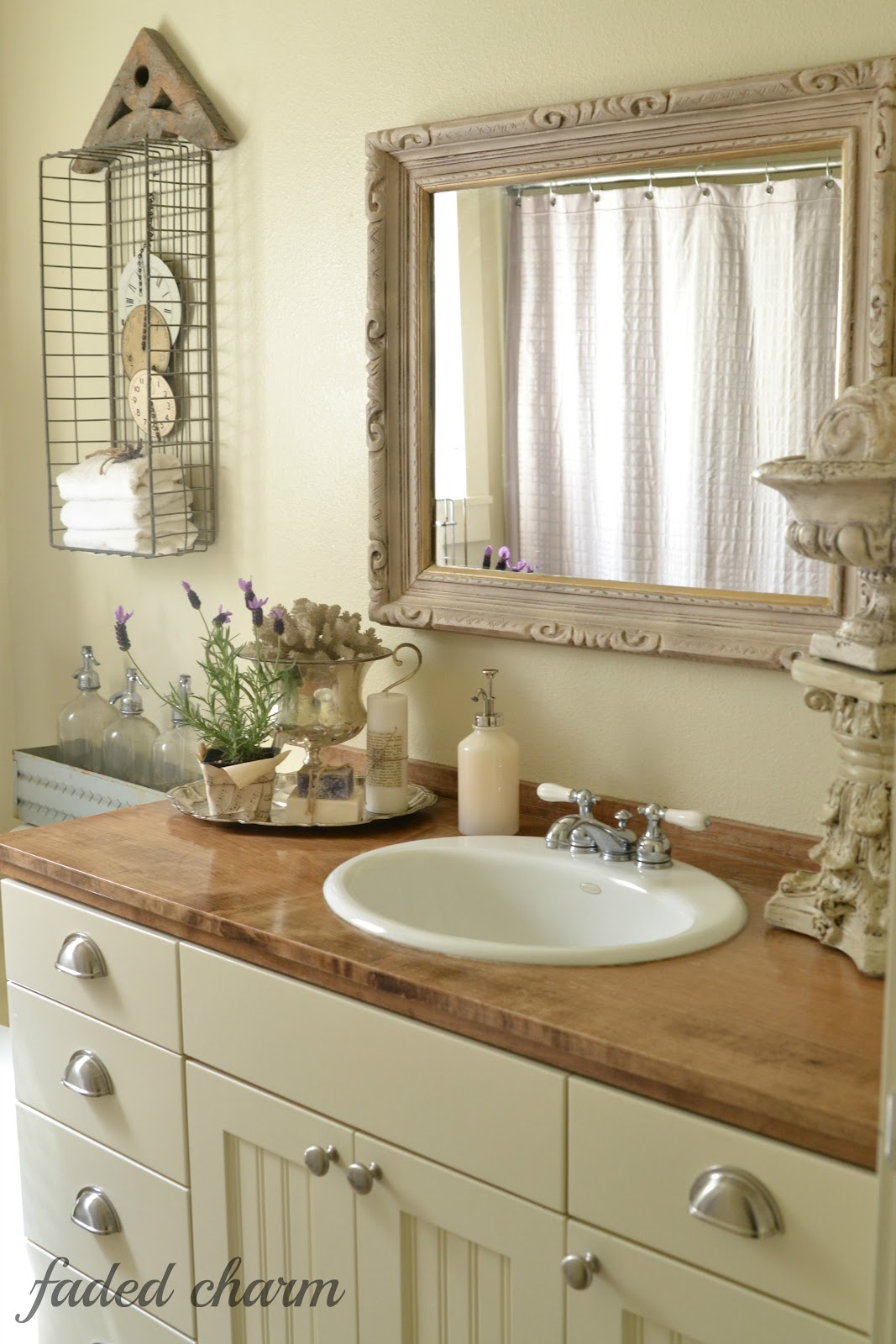 Faded charm a perfect gray for Images of country bathrooms