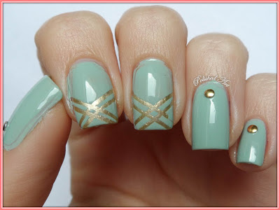 Flip-Flop-Challenge-day-25-tape-manicure-with-Sally-Hansen-Green-Tea