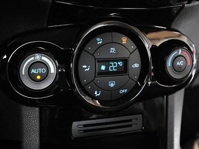 Ford New Fiesta 2014 Automático - inteiror