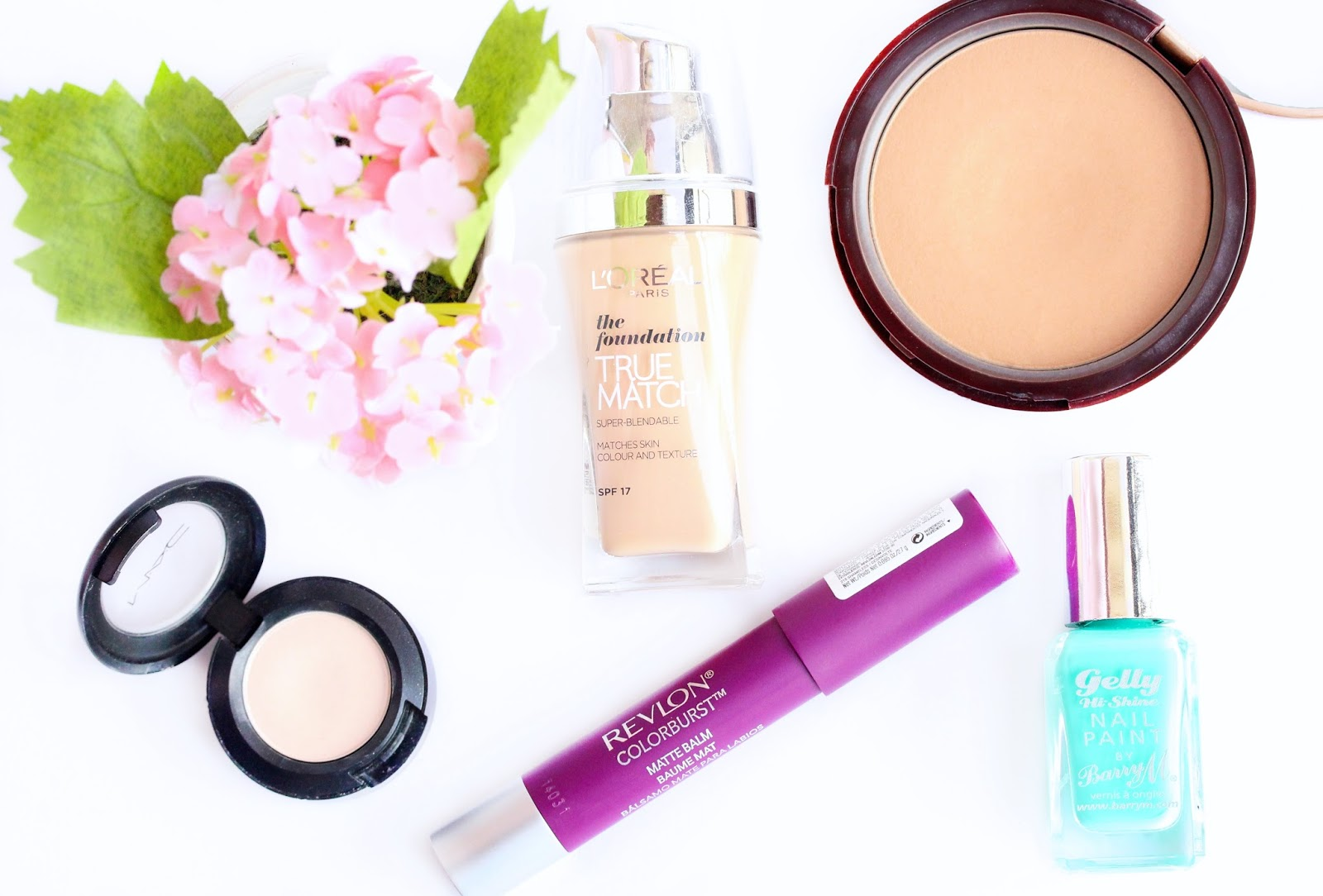 beauty favorites, MAC Vanilla, Barry M Gelly Green Berry, Too faced Chocolate Soleil, Loreal True Match