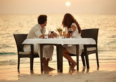 Ini Empat Ide Romantis Untuk Hangatkan Pernikahan