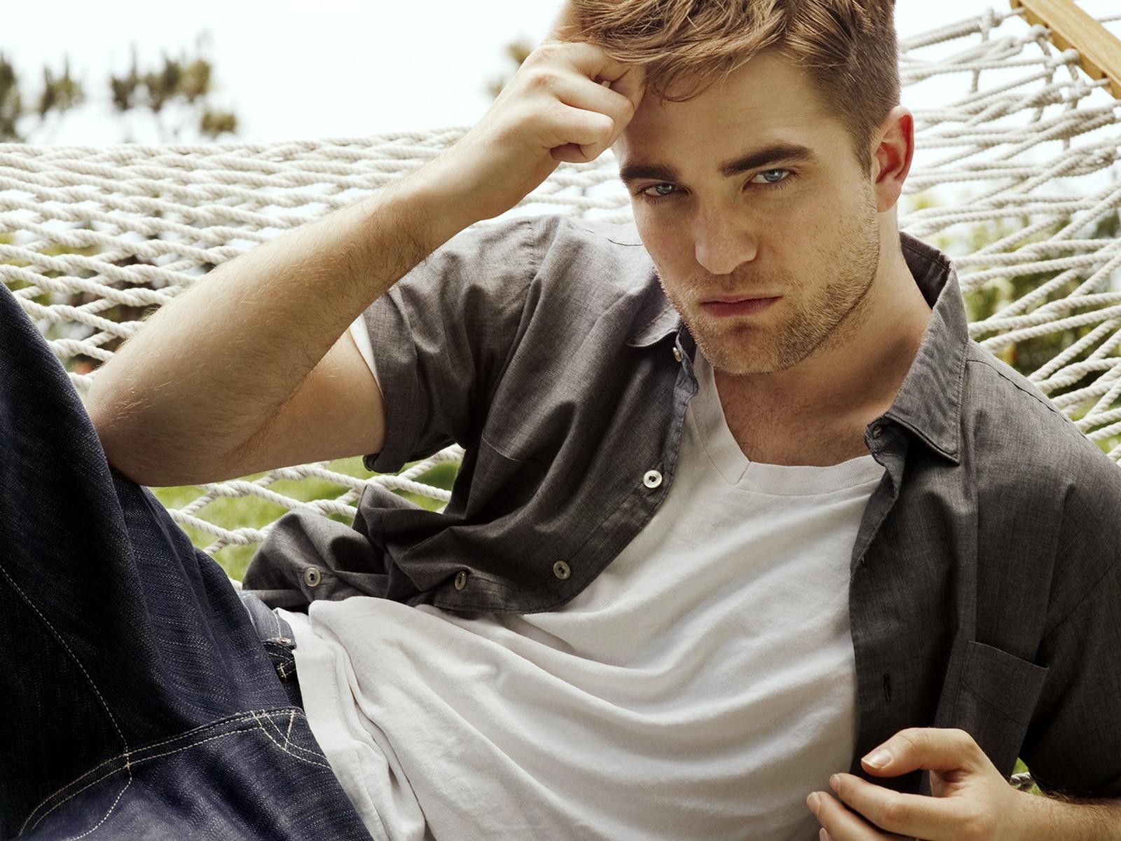 http://2.bp.blogspot.com/-eZpy4jrc9sM/UW2_qm0lJII/AAAAAAAABh8/cler7oCylRg/s1600/Robert-Pattinson-Style-Model.jpg