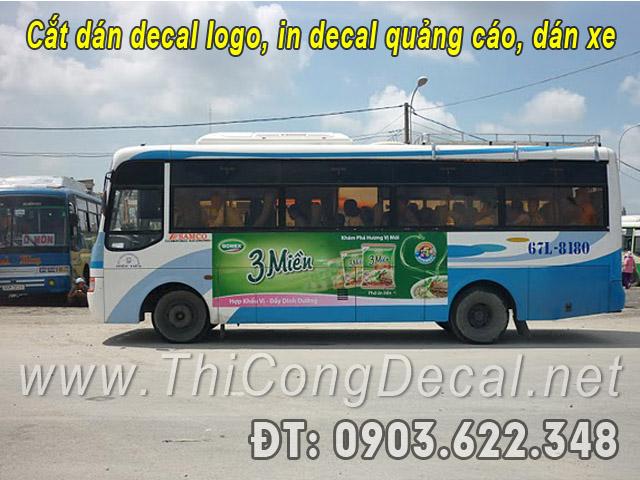 dán decal trên xe buýt
