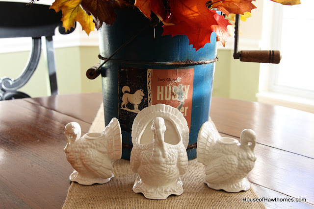 Vintage Napcoware turkeys are a fun addition to your Thanksgiving dinner table