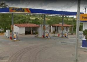 Homem é assaltado após ser confundido com frentista de posto de combustíveis em Inhapi