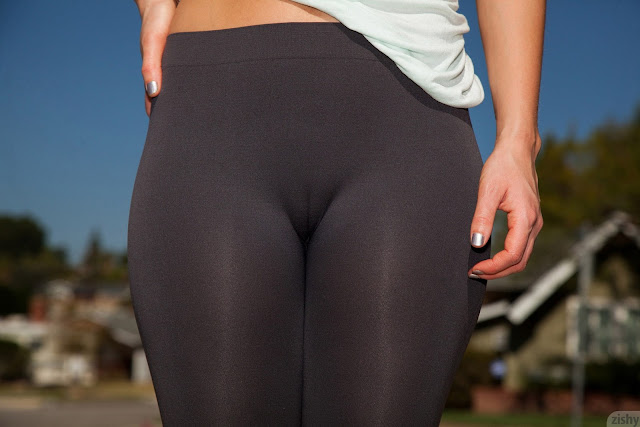Yoga Pants Cameltoe