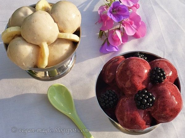 Raw Blackberry Banana Ice Cream