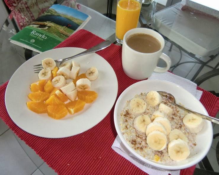 Porridge breakfast before a long hike
