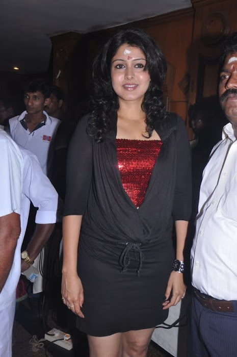 sheryl pinto spicy at machan movie launch photo gallery