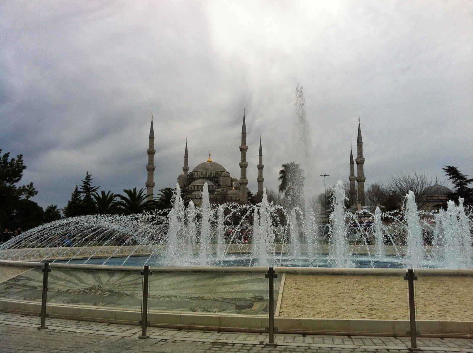 Tracing istanbul following sultan ahmet is order sultan ahmet mosque was built by architect sedefkar mehmet aga pupil of famous architect sinan altavistaventures Images