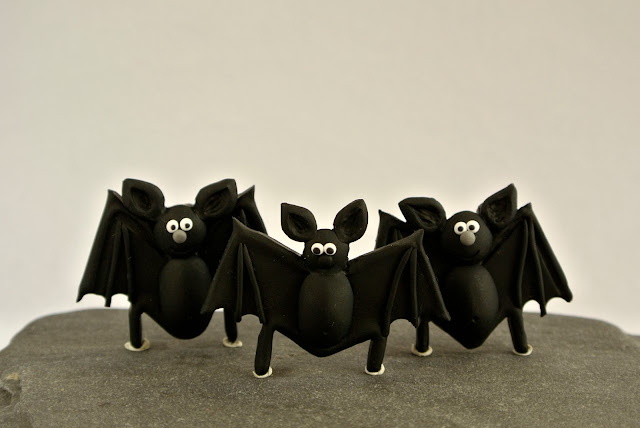 Bat brooch inspired by Almada Negreiros by  The Little Creatures