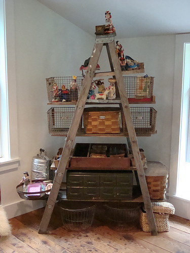 home interiors design old ladders as shelving