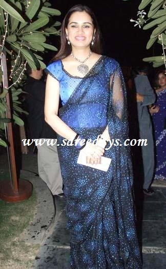 padmini kolhapure in saree - photo #2