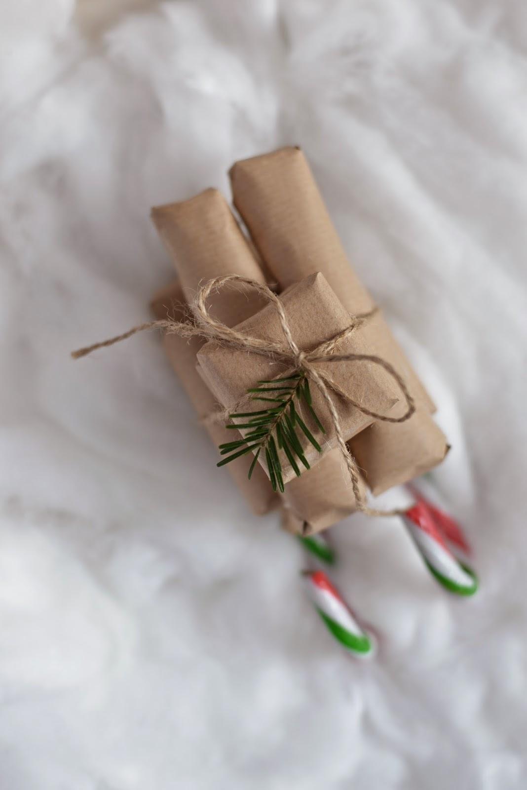 Candycane Sleigh, Zuckerstangen Schlitten, Sleigh, Schlitten, Zuckerstange, Weihnachten, Winter, Geschenk, Stockingfiller, Weihnachtsgeschenk, Gift, Christmas, Sweets, Süßigkeiten, Blog, DIY, Basteln, Xenobiophilia